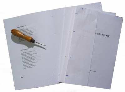 Buch binden - Hefte lochen