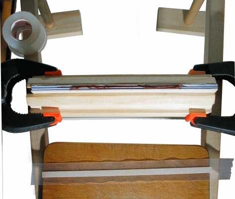 Buch binden - der Rücken wird aufgeklebt