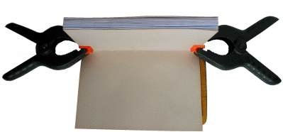 Buch binden - Aufkleben des Rückens